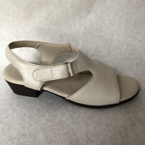 SAS-Sandals-Womens-Size-9-5-W-Beige-Open-Toe-218432-9-1-2-Wide-Width