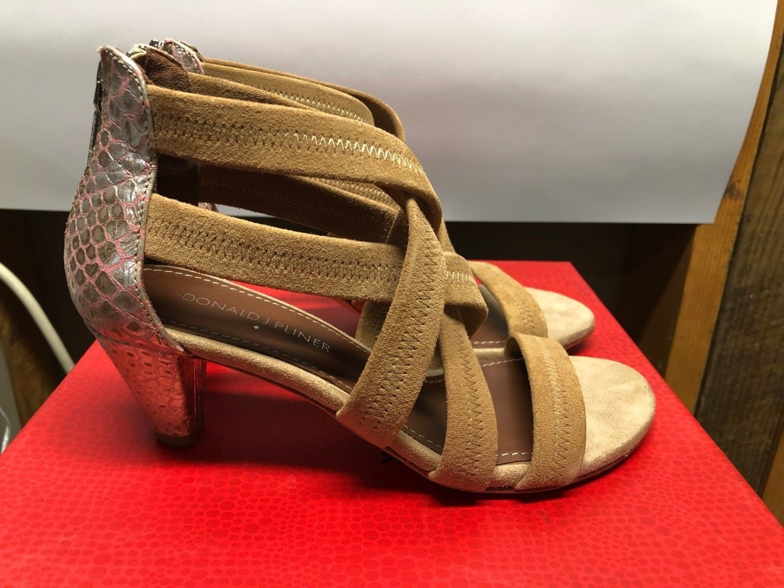 DONALD J PLINER Donna  Vida Coverosso Heel Heel Heel Strappy Sandal Dimensione 6 New in box 368cac