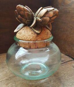 Pot-decoratif-avec-bouchon-en-forme-d-039-artichaud