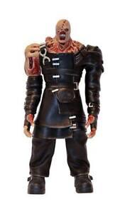 Resident-Evil-3-Soft-Statue-1-6-Nemesis-38-cm-Mi-Labs