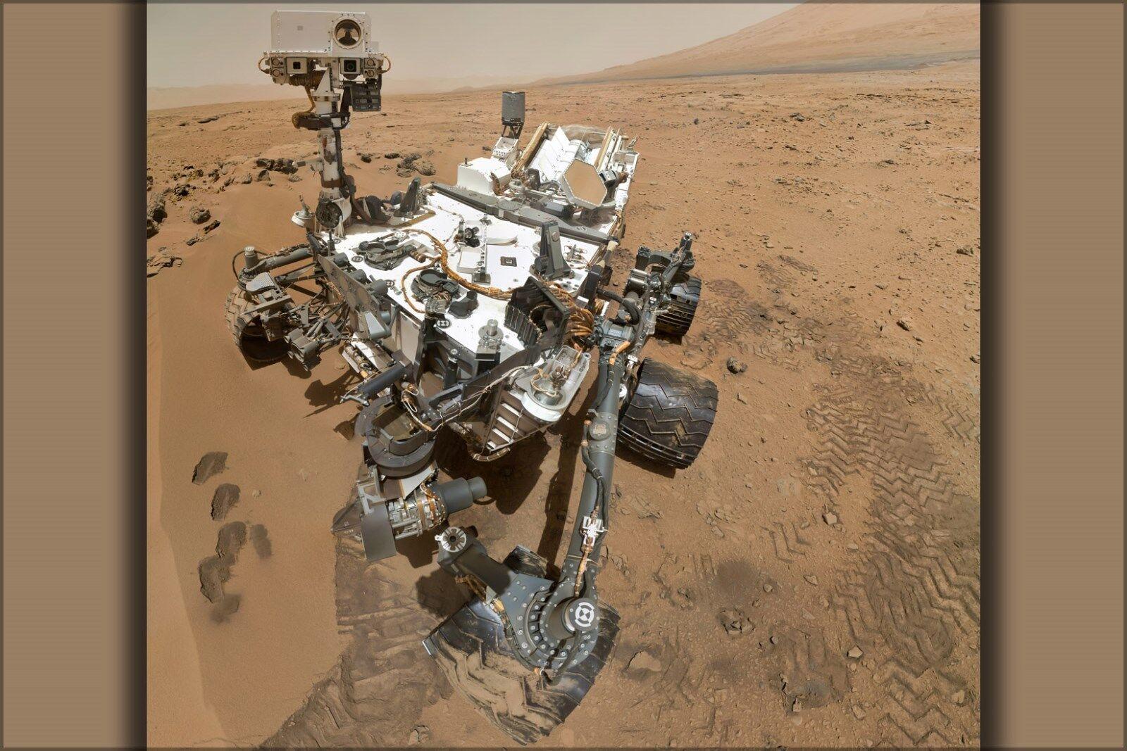 Plakat, Viele Größen; Selbstporträt von Curiosity Rover Arm Kamera On Planet