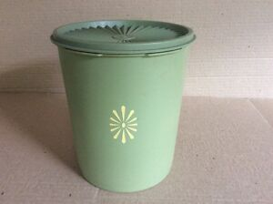 Tupperware-VINTAGE-SERVALIER-LARGE-OLIVE-GREEN-CANISTER-with-LID