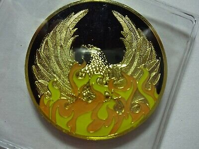 NA Blue Gold Coin 32 Year Tri-Plate Narcotics Anonymous Medallion Capsule/&Stand