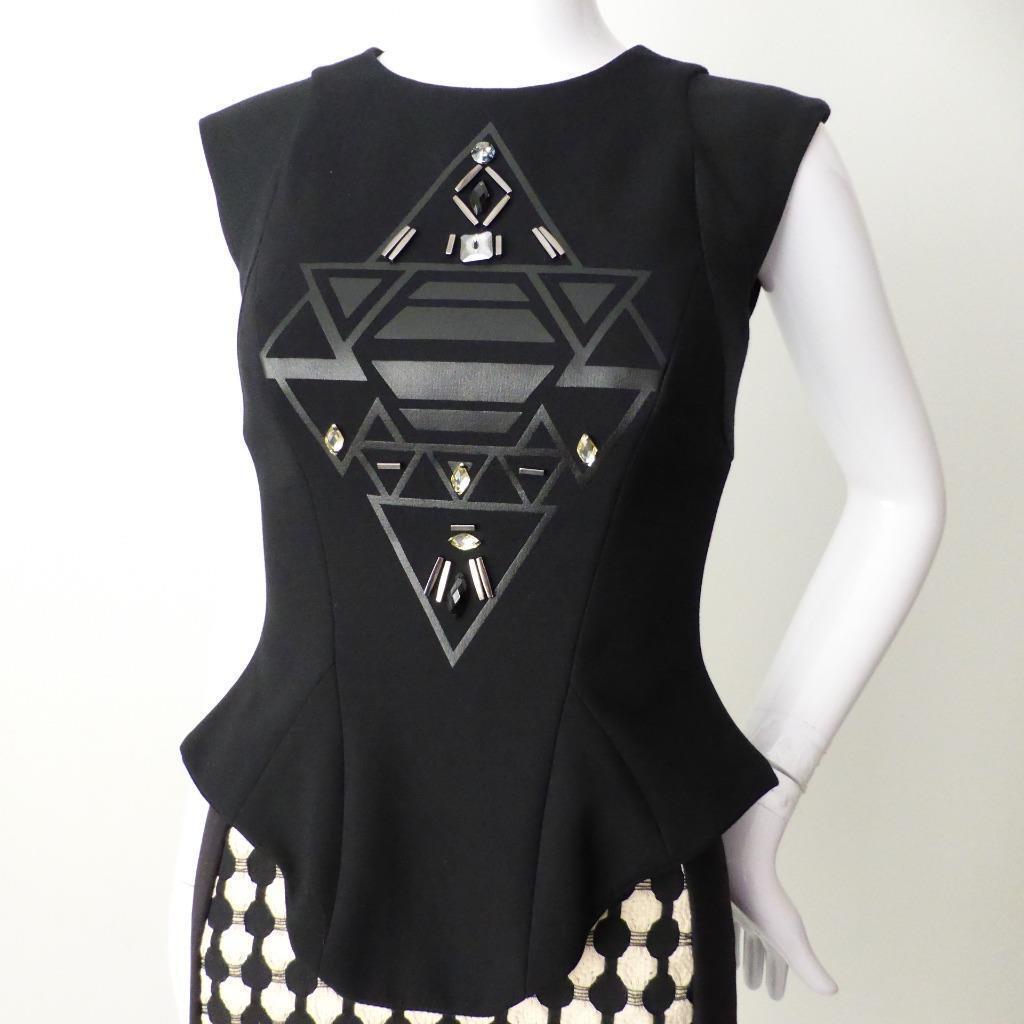 CUE Woherren Top NEW  Größe 6  US 2 Made in Australia Sleeveless schwarz Embellished
