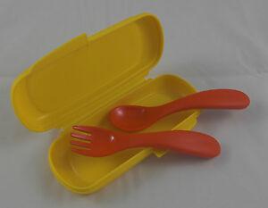 Tupperware-Kinderbesteck-im-Etui-Loeffel-und-Gabel-mit-Box-Gelb-Rot-Neu-OVP