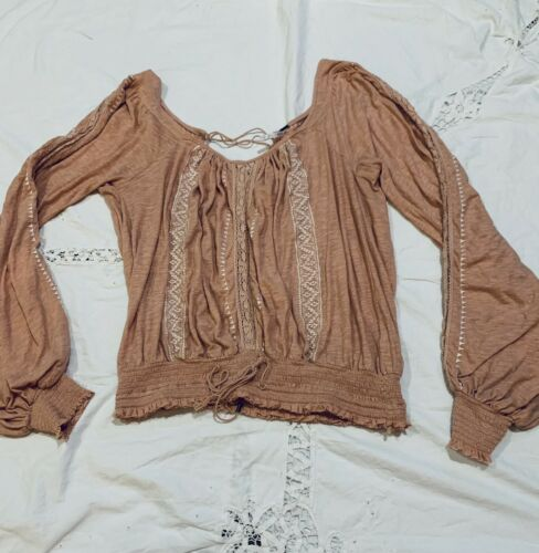 Free People Boho Peasant Top Size Small Embroidere