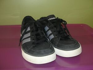 Daily Skate Shoes Sneakers Black Grey