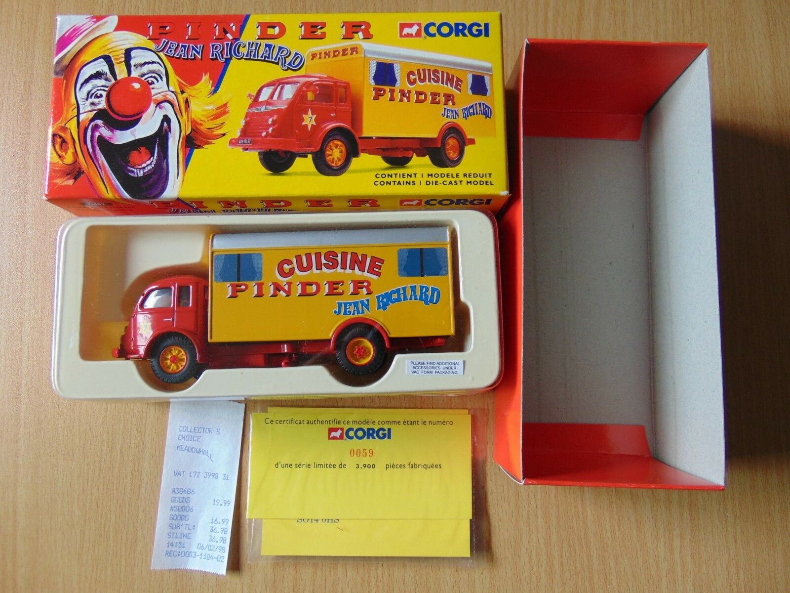 DIE CAST Corgi Toy PINDER Jean Richard Circus 71402 RENAULT CAMION