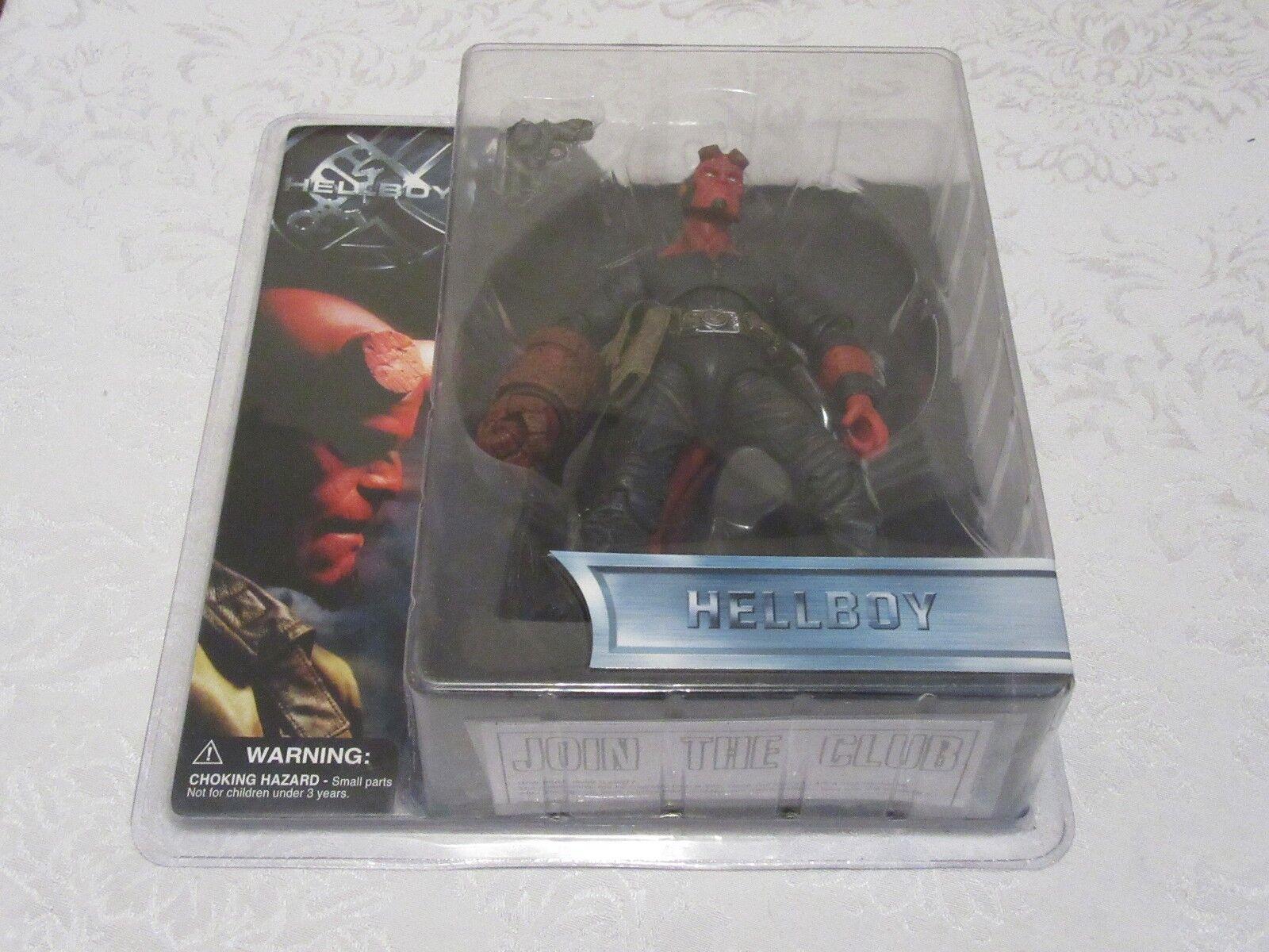 Mezco Hellboy boca cerrada con camisa negra sin Chaqueta Figura De Acción