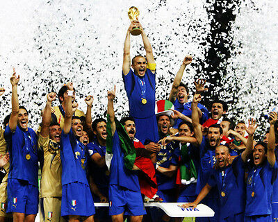 TEAM ITALY 2006 WORLD CUP 8x10 Photo Gattuso Totti
