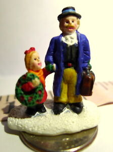 Christmas-Miniature-Victorian-Village-Father-and-child-Grandeur-Noel-1995