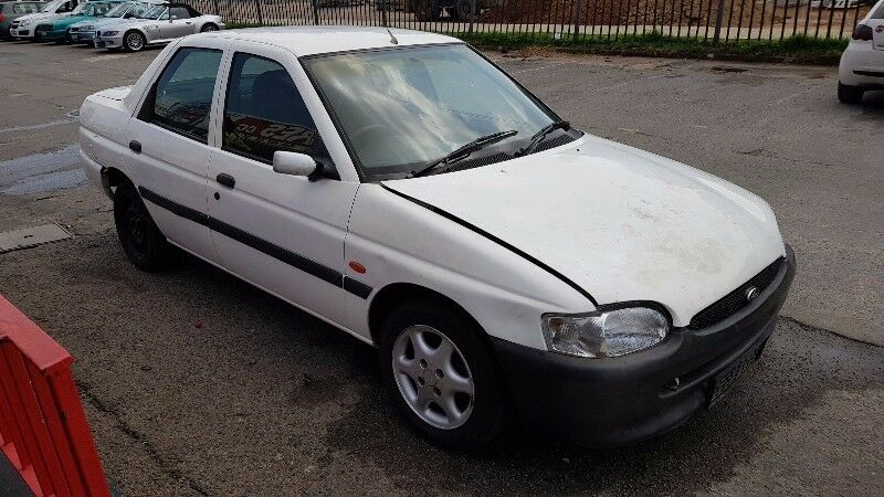 eb2574569a5631 Ford Escort 1.6Lt 97 Model Breaking For Spares!!!
