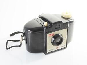 Kodak-Brownie-127-Bakelite-Retro-Vintage-Camera