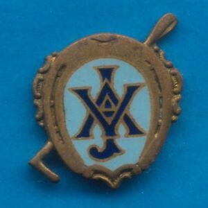 Early-1930s-Victorian-Jockey-Association-Badge