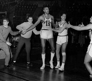 Bill russell coloring pages ~ Wilt Chamberlain 100 Point Game 8x10 Photo Picture ...