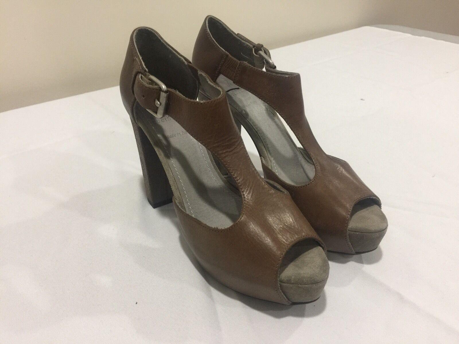 Brunello Cucinelli braun Leather Buckled Sandal Heels Größe 37 7  1225.00
