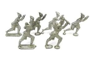 Vintage-Lot-Of-6-British-Metal-Pewter-Toy-Soldiers