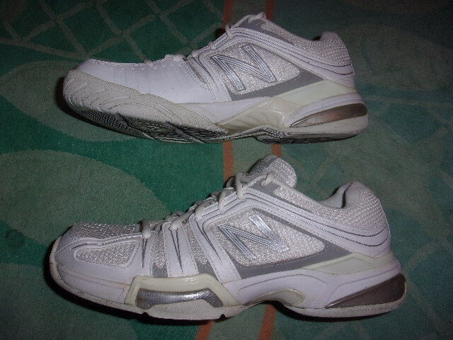 New Balance TENNIS 1005 SHOES WOMENS SIZE 9 1/2 AA   WC1005WS