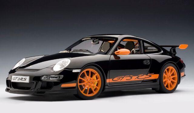 AUTOart 12116 Porsche 911 (997) Gt3 RS - Black W/ Orange Stripes 1 12