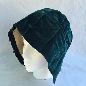 Antique-1910s-Womens-Winter-Bonnet-Hat-Green-Velvet-Cap-Satin-Trim-Lined-Hood