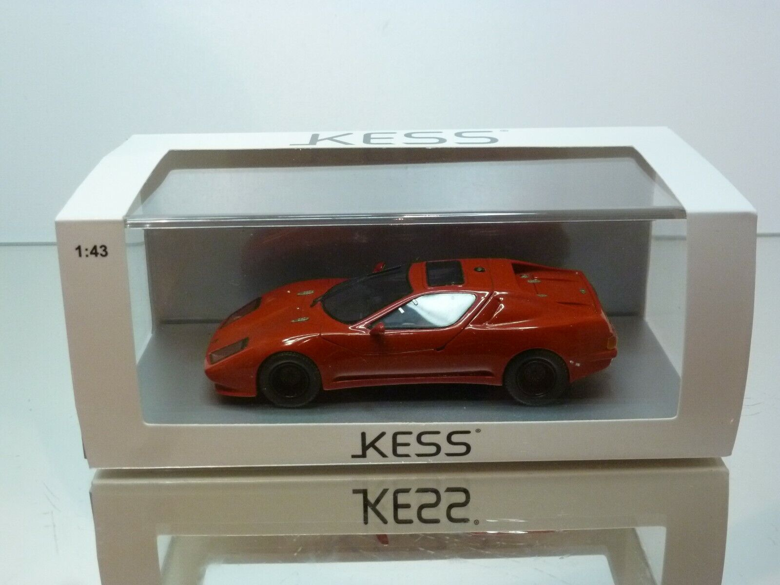 KESS PUMA GTV COUPE - rouge 1 43 - EXCELLENT CONDITION IN BOX