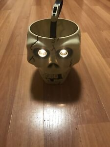 Vintage-Monicore-1998-Halloween-Trick-Or-Treat-Light-Up-Skull-Candy-Bucket-Pail
