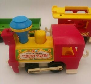 Antique-1973-Fisher-Price-Circus-Train-Engine-Two-Train-Cars-Vintage-Collector