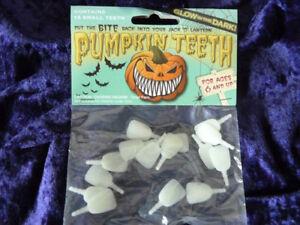 Glow-In-The-Dark-Pumpkin-Buck-Teeth-16-Small-Plastic-The-Original-Pumpkin-Teeth