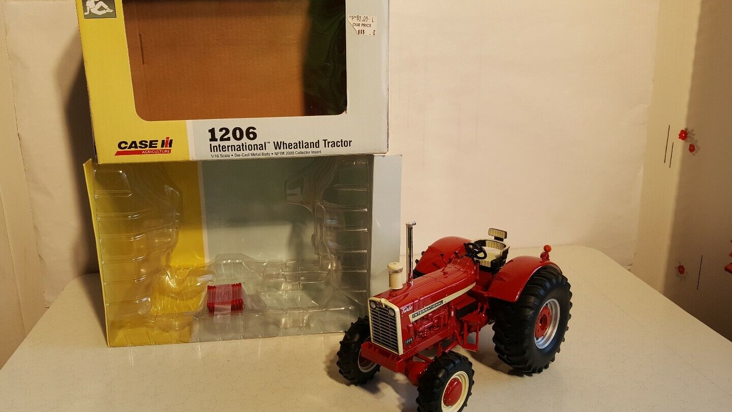 ERTL International 1206 Wheatland avec AFSF 1 16 diecast farm tractor Replica