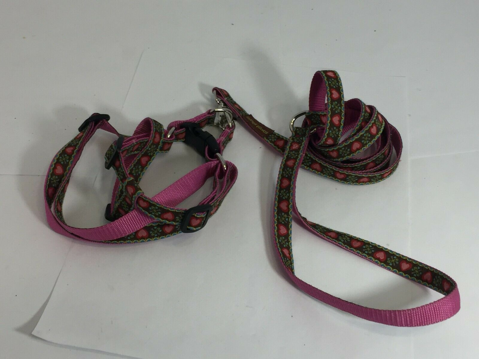 DANES AND DIVAS HARNESS AND LEASH SET BROWN HEARTS PATTERN SMALL DOG 10 LBS