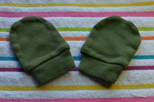 BABY COLOURED SCRATCH MITTENS MITTS baby shower gift
