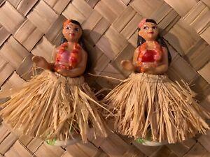 PAIR-CERAMIC-HAWAIIAN-HULA-GIRLS-IN-GRASS-SKIRTS-SALT-amp-PEPPER-SHAKERS-5-5-034-TALL