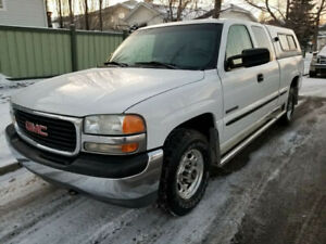 2000 GMC Sierra 2500 SENIOR OWNED with 138000km. Asking $6000.00