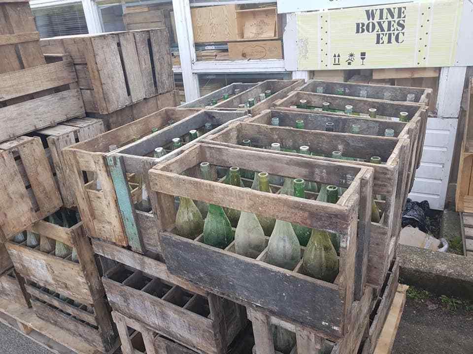 1 x vino francese cassa con bottiglie-ORIGINALE IN LEGNO ORIGINALE VINTAGE industrial.