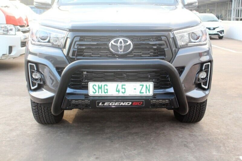Toyota Hilux new face