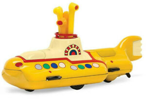 Corgi-The-Beatles-Yellow-Submarine-034-Fit-To-Box-Scale-034-Die-Cast-Submarine-CC05401
