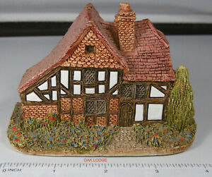 Lilliput Lane - Oak Lodge 1984-1 No Box or Deeds