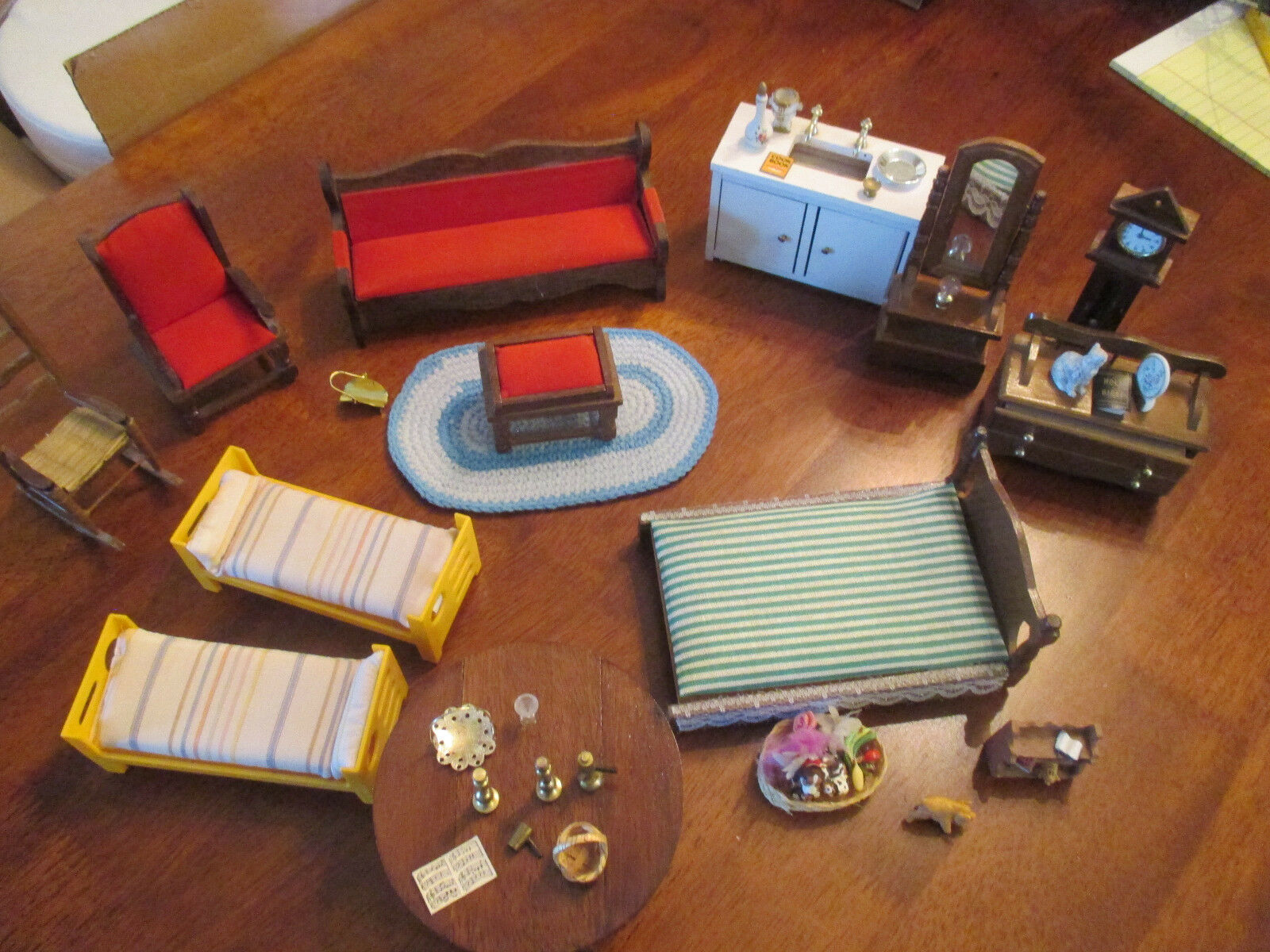 PRICE DOLL HOUSE FURNITURE MIXED MIXED MIXED LIV RM & BDRM.WITH ACCESSORIES 75e3af