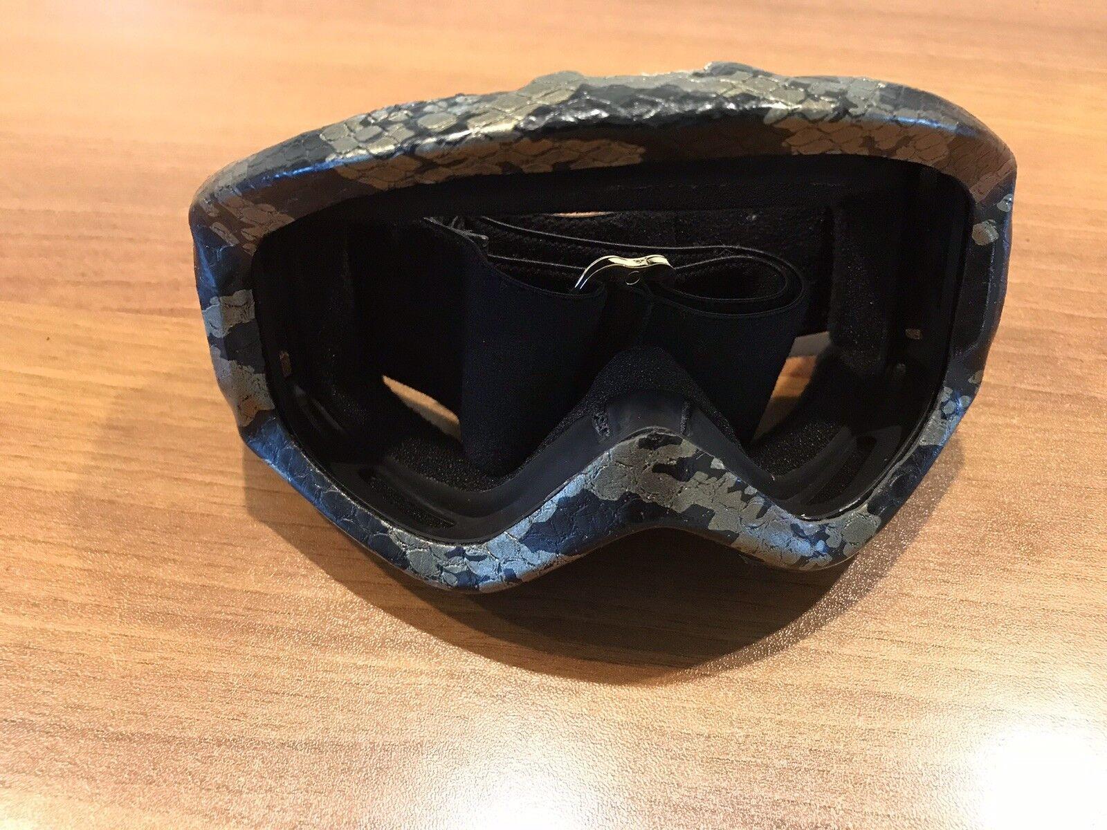 Burton Anon Snowboarding Skiing Goggles SnakeSkin Design