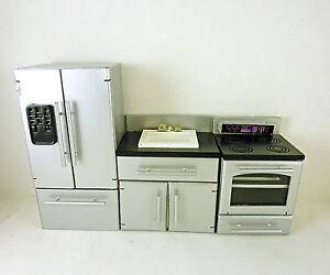 Dollhouse-Miniature-3-Piece-Silver-Black-Kitchen-Appliances-Set-T5446