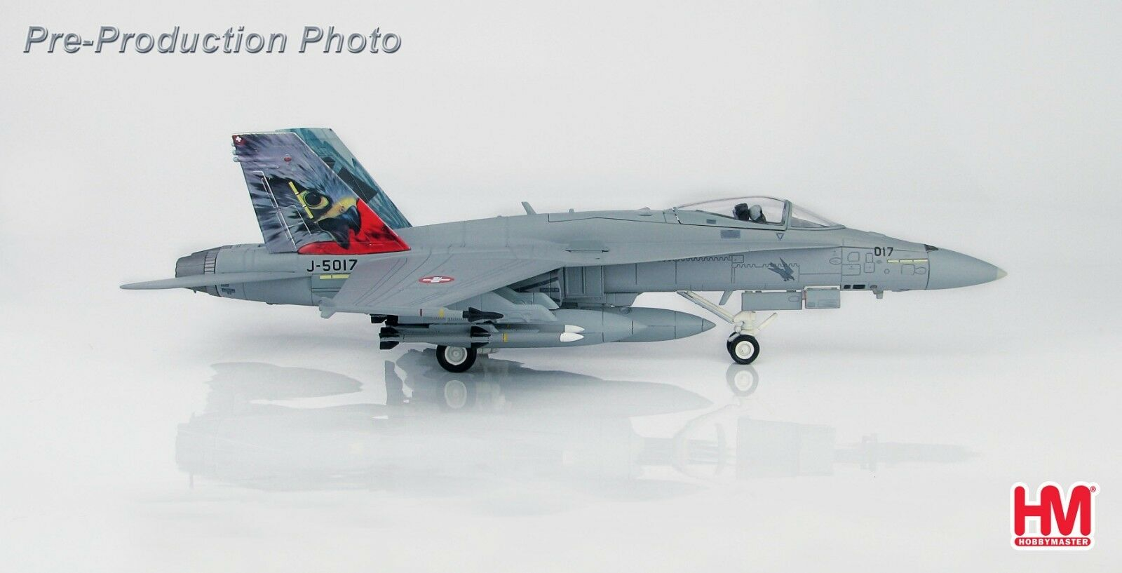 Hobby Master HA3599,F  A -18C Hornet Swiss Air Force, J -5017, Staffel 17, Payerne