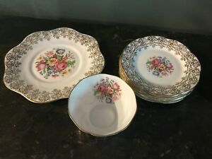 Vtg-Clare-Pattern-Bone-China-Set-of-8-England-Gold-amp-Floral