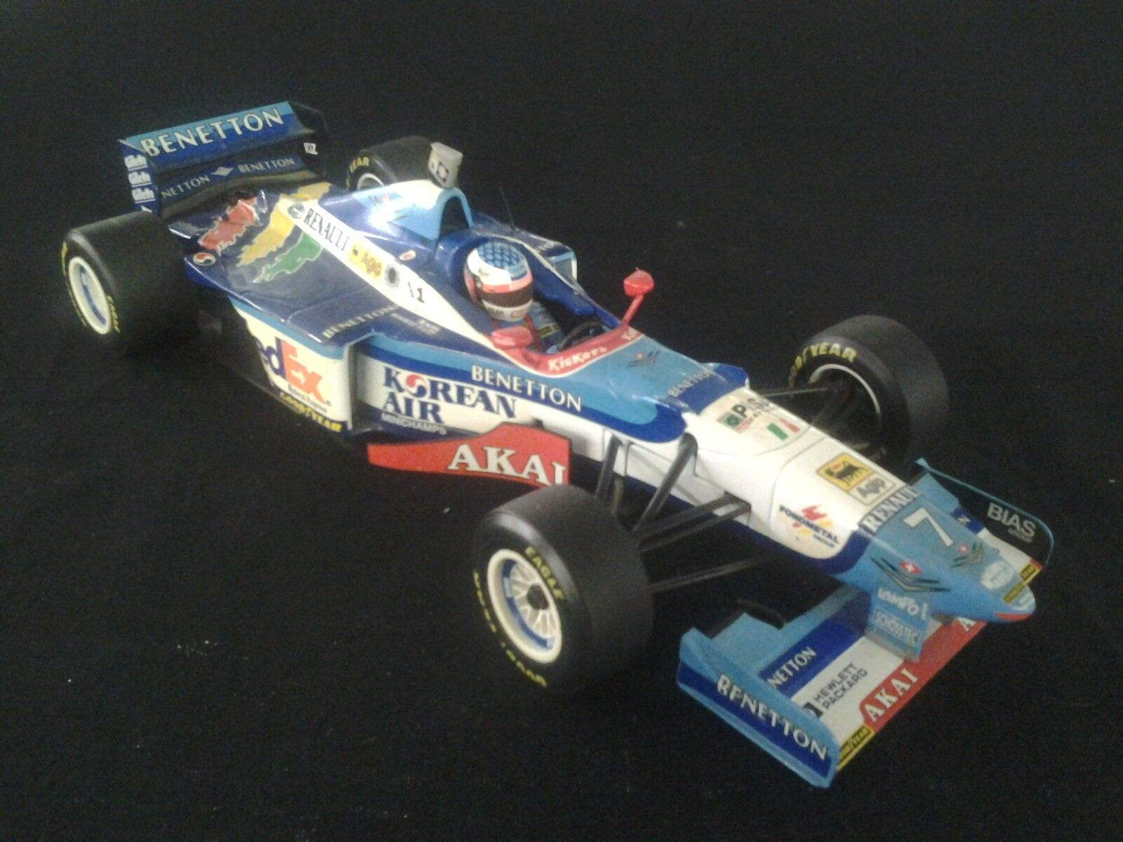 Minichamps Benetton Renault B197 1997 1 18 Jean Alesi (FRA) Formula 1 (MCC)