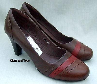 Nuevos Zapatos Clarks Belinda para mujer de cuero marrón