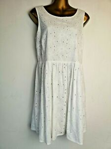 New-Look-14-White-cotton-lined-Broderie-Anglaise-Summer-Skaters-Sleeveless-Dress