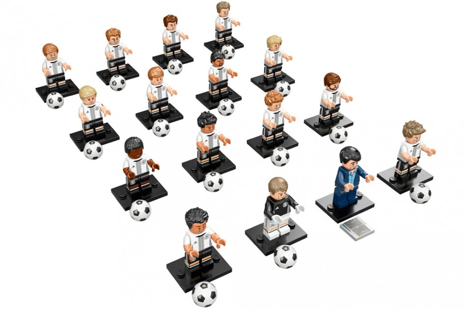LEGO 71014 Complete Set of 16 DFB German Soccer Team Minifigures Series