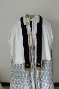 Big-Large-Stole-Reversible-White-And-Purple-Front-Vatican-II