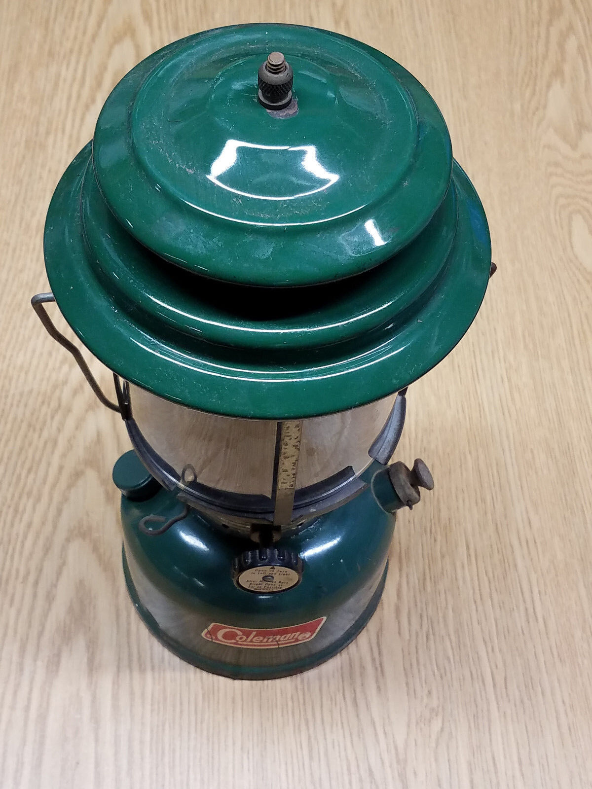 Vintage Coleman Model 220F Green  Double Mantle Lantern  limit buy