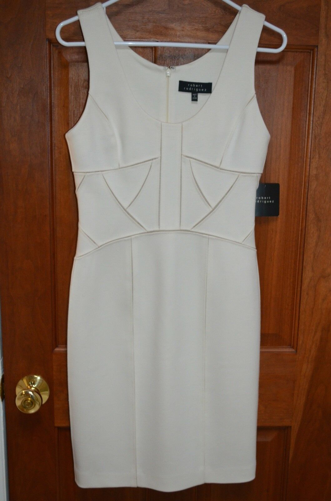 NWT Robert Rodriguez Ivory Seamed Fitted Sleeveless Knee length Dress Size 6