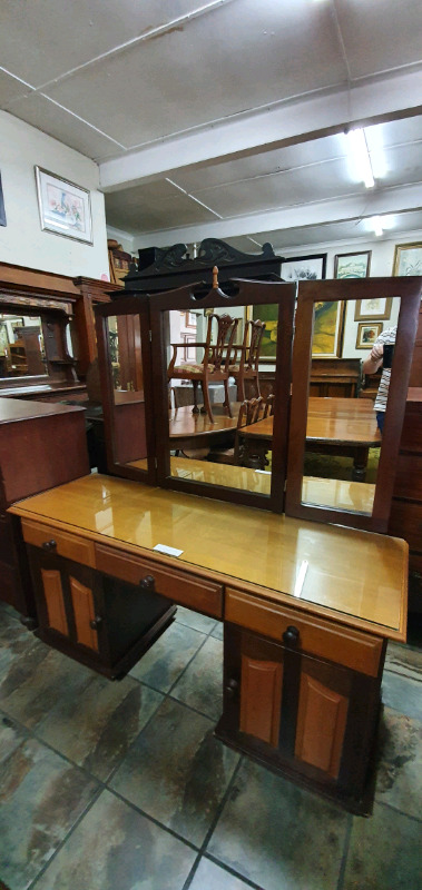 Yellow-wood and Imbuia 3 mirror Dressing Table